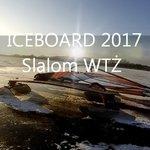 Lodowy slalom w Żninie