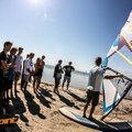 Czym wyróżnia sie dobra szkoła windsurfingu