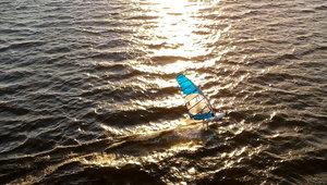 Grudniowy windsurfing nad Miedwiem
