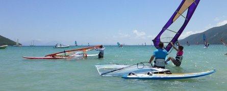 Pierwszy sezon polskiej szkoły windsurfingu w Vassiliki Grecja 2016